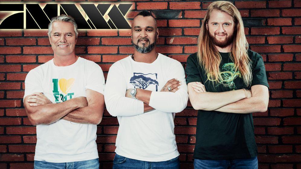 """Die ranNFL-Jungs Jan Stecker, Patrick Esume und Christoph """"Icke"""" Dommisch (v... - Bildquelle: ProSiebenMAXX"""