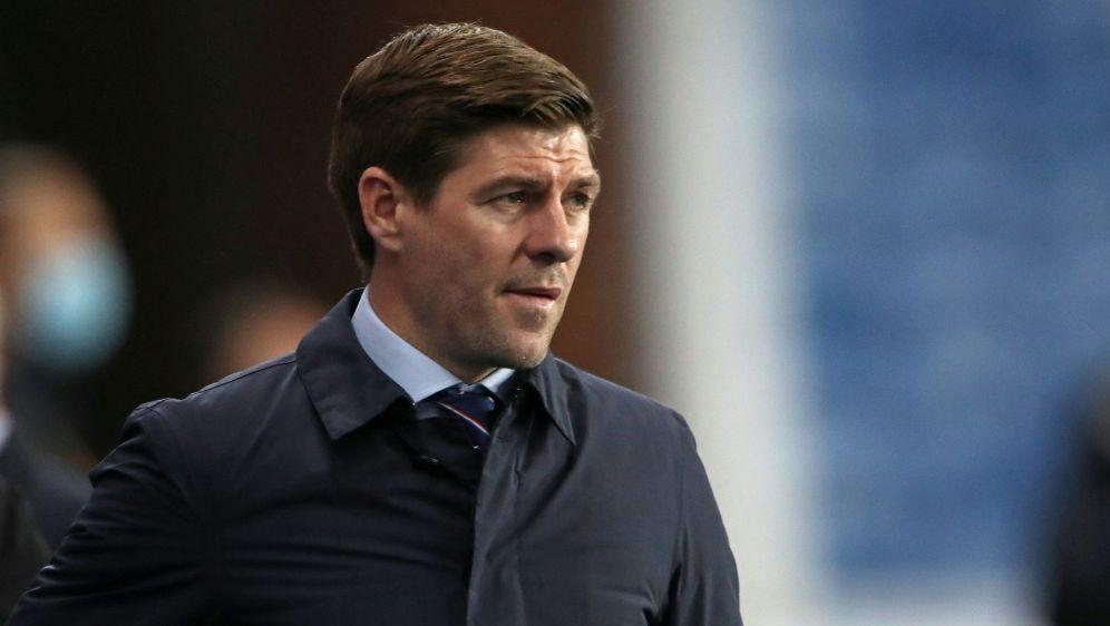 Positive Coronatests beim Team von Steven Gerrard - Bildquelle: AFPPOOLSIDIAN MACNICOL