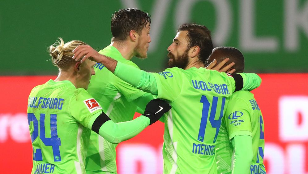 Was für ein Torfestival: 5:3 hieß es am Ende für Wolfsburg im Nord-Derby geg... - Bildquelle: 2020 Getty Images