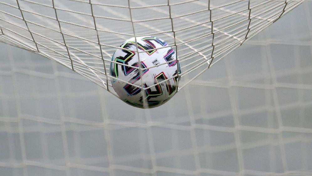Wiesbaden schießt sich mit einem 3:0 aus dem Formtief - Bildquelle: FIROFIROSID